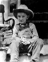 170px-Lyndon_B._Johnson_-_15-13-2_-_ca._1915